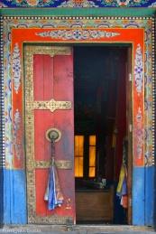 Une porte décorée du monastère de Tiksey