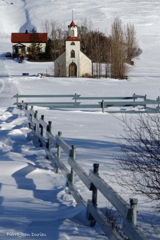 Eglise dans la neige, Islande