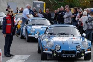 Les Alpine-Renault au départ, Tour Auto à Marchampt, 20 Avril 2016