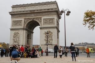 Touristes à l'Arc de Triomphe, Paris, Novembre 2016
