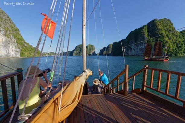 Photographes à bord, Baie d'Ha Long, Nord Vietnam, Octobre 2016